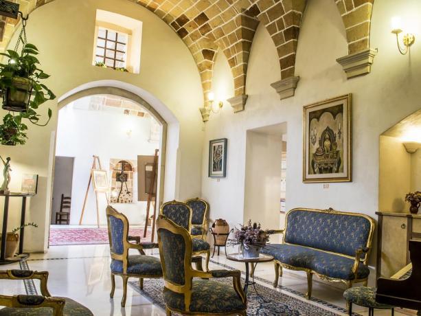 Salotto per ospiti in Hotel a Galatina