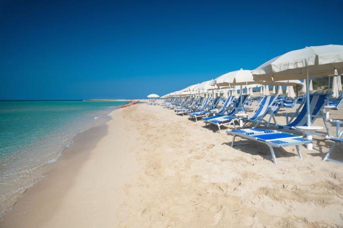 Villaggio con Spiaggia Privata di Sabbia Ugento