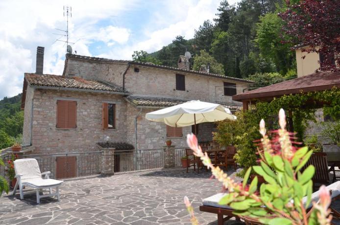 Casale sul monte Subasio B&B La Spella