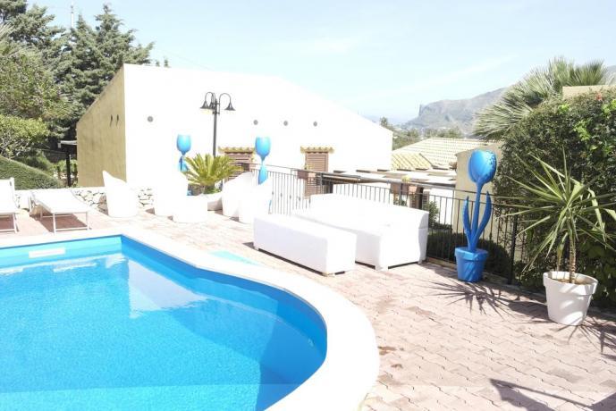 Resort con piscina vicino Riserva Naturale dello Zingaro