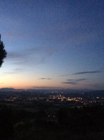 Vista tramonto a Collelungo, vicino Todi