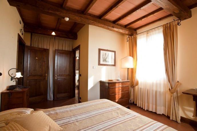 Albergo a Pozzuolo, camera matrimoniale con Tv, Wi-fi