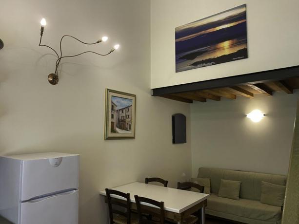 IsolaMaggiore- Soggiorno con Cucina e DivanoLetto 38mq