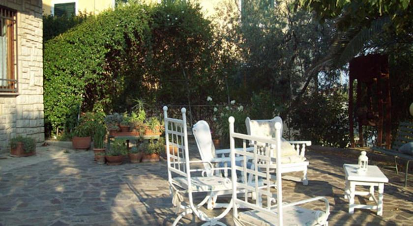 B&B con terrazzo e giardino a Montebuono