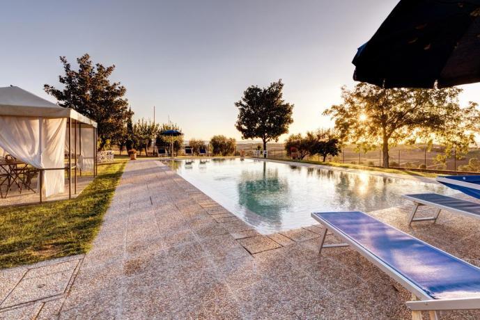 piscina del casale ronzano a cortona