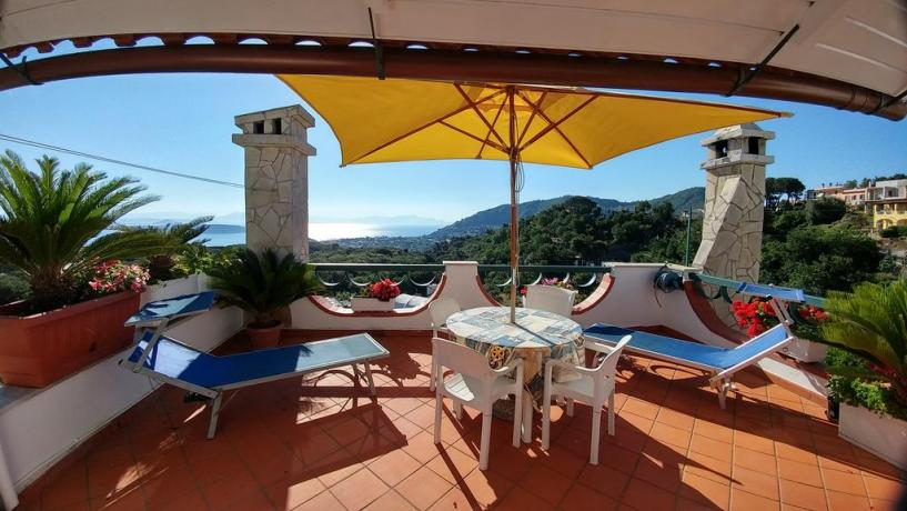 Terrazzo solarium vista mare casa vacanze Barano d'Ischia
