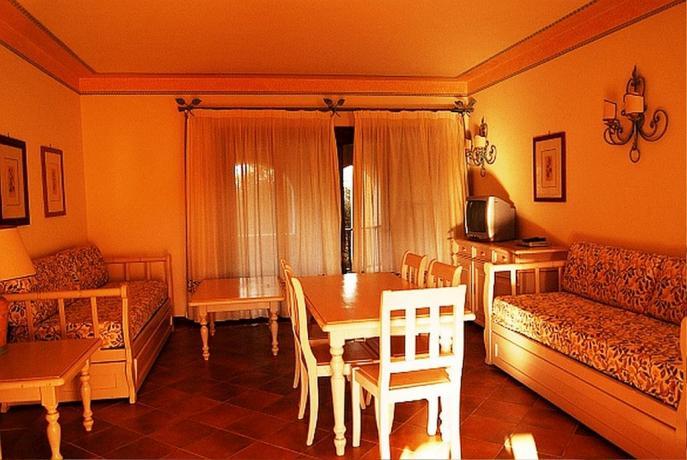 Residence con Appartamento ad Arzachena