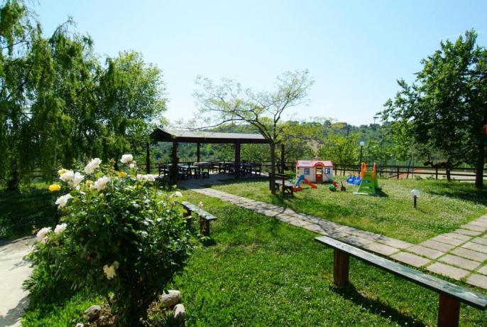 Relax a Penne-Abruzzo agriturismo con giardino piscina