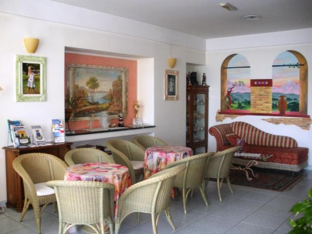 Hotel con Salotto per ospiti a Silvi Marina