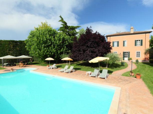 Piscina in Villa Vacanza a Bettona