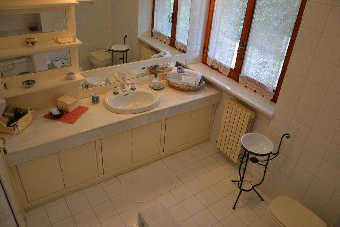 Appartamento con grande bagno privato nelle Marche