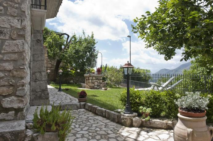 Appartamento giardino + camera matrimoniale in B&B Gaeta