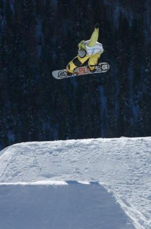 Snowboarding and wintersports in Champoluc, Ayas