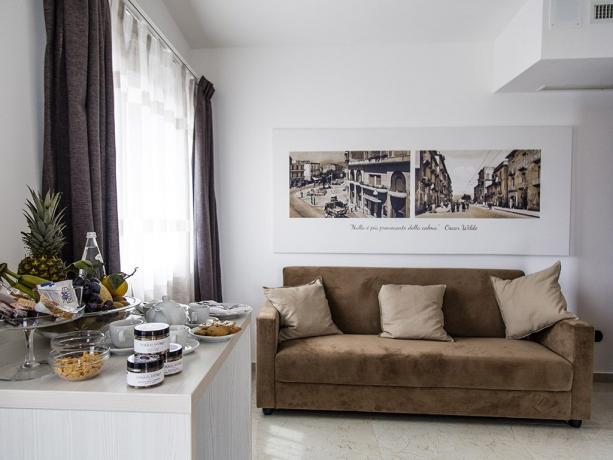 Suite Hotel 4stelle con salotto divano Battipaglia-Salerno