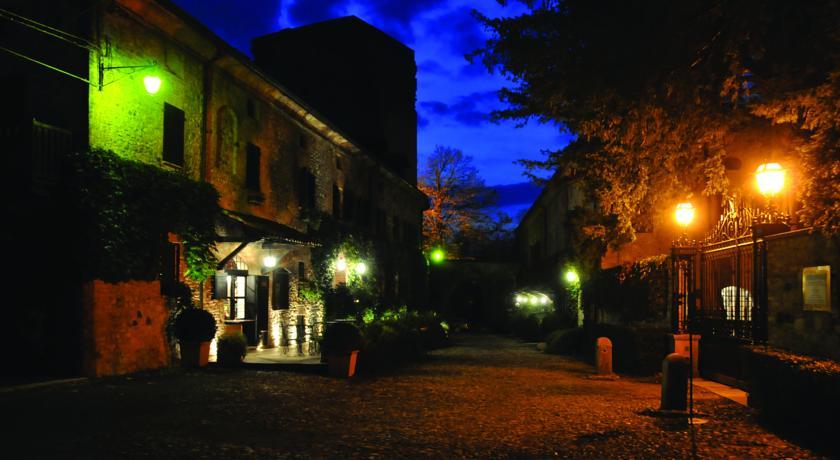 Il Borgo in notturna
