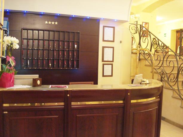 Reception Hotel 4 stelle