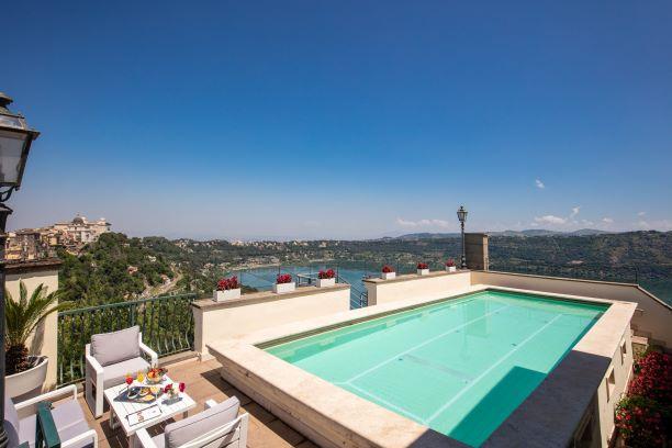 castelgandolfo-lagoalbano-hotel-piscina-bar-ristoranti-salemeeting
