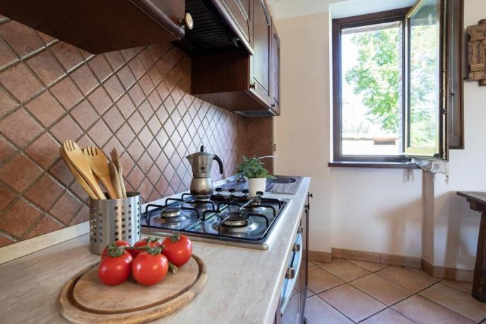 Cucina in casale in autogestione in Umbria