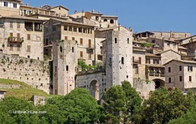 Borgo di Spello vicino  casa vacanze Acquatino