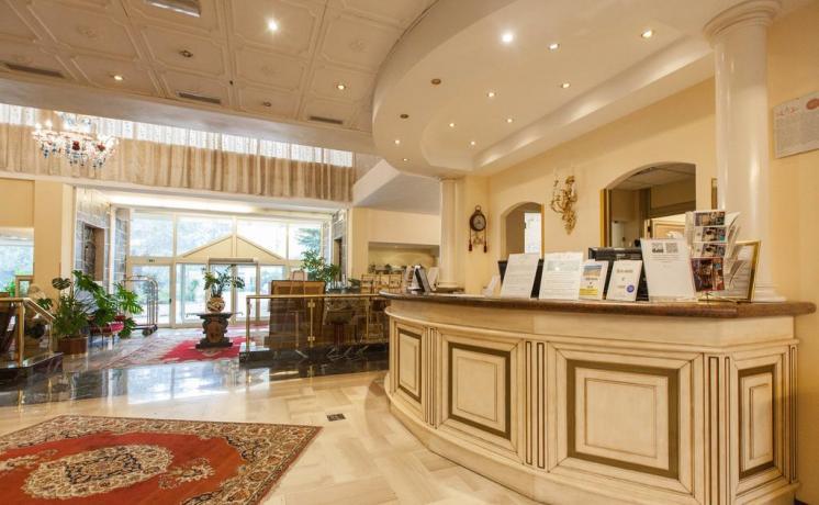Reception dell'Hotel Abano Terme
