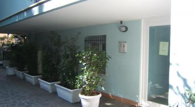 Ingresso del residence vicino la spiaggia di Rimini