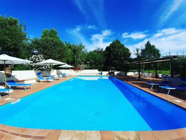 Grande piscina con giardino Castiglione del Lago
