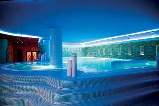Hotel a Caserta con Piscina Coperta e SPA
