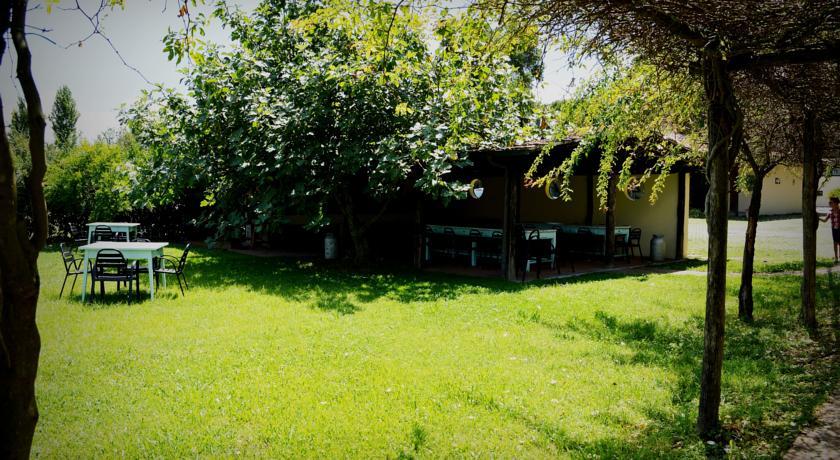 Hotel lungo il fiume via Appia