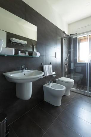Bagno privato in camera hotel4stelle Casapulla-Caserta