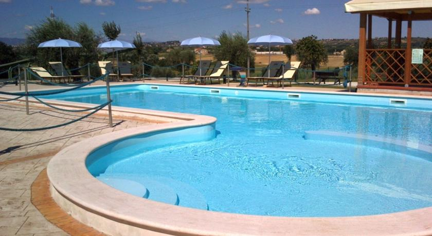 Piscina Calcetto in CountryHouse Alba Adriatica