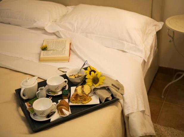 Camere doppie romantiche + colazione a letto Spoleto