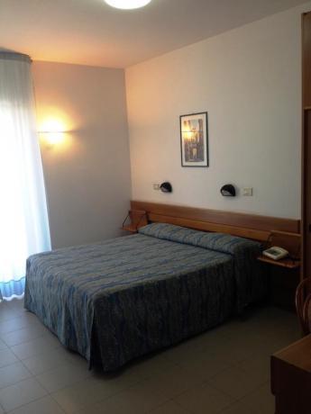 Camera matrimoniale hotel economico a Rodi Garganico Puglia