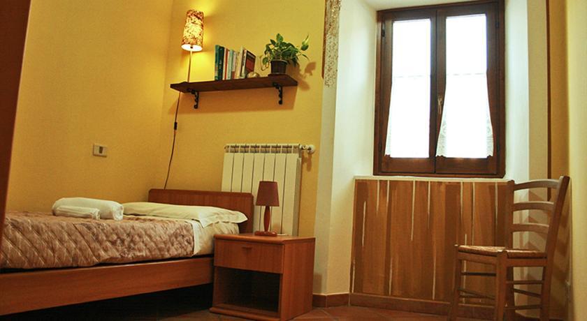 Camera con letto singolo e prima colazione