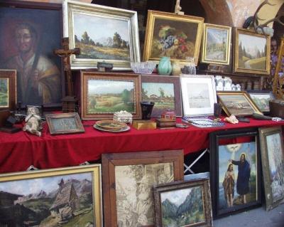 Quadri antichi mercatino delle pulci di trevi trevi - Mercatino mobili antichi ...