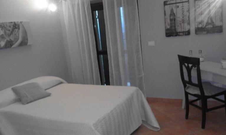 Camera matrimoniale casale a Collelungo vicino Todi