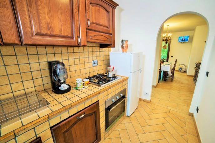 Appartamento Giallo cucina attrezzata con forno