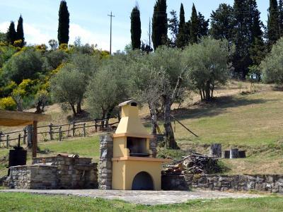 Agriturismo con Barbecue e Area Verde
