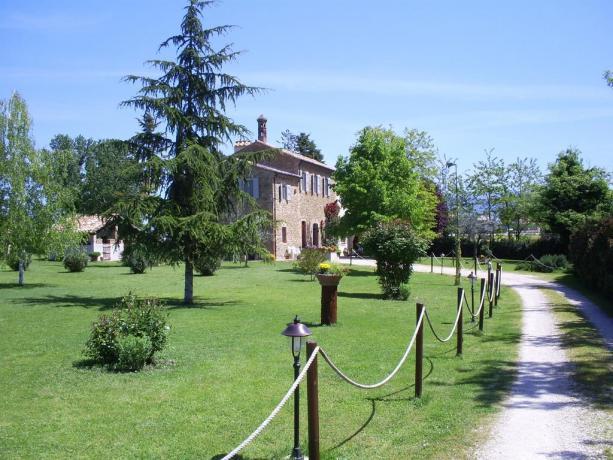 Agriturismo con appartamenti indipendenti Assisi