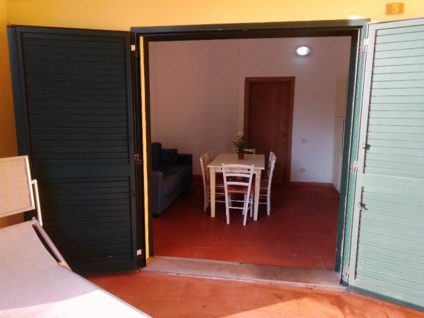 Appartamenti vacanze con portico villaggio-campeggio Oristano-Sardegna