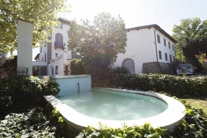fontana della villa in Toscana vicino Firenze