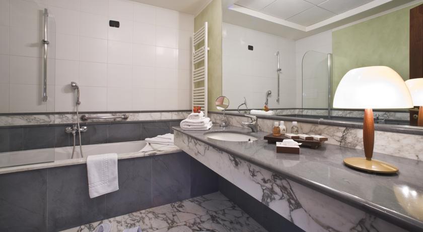 Suite con Vasca in Hotel Benessere a Bra