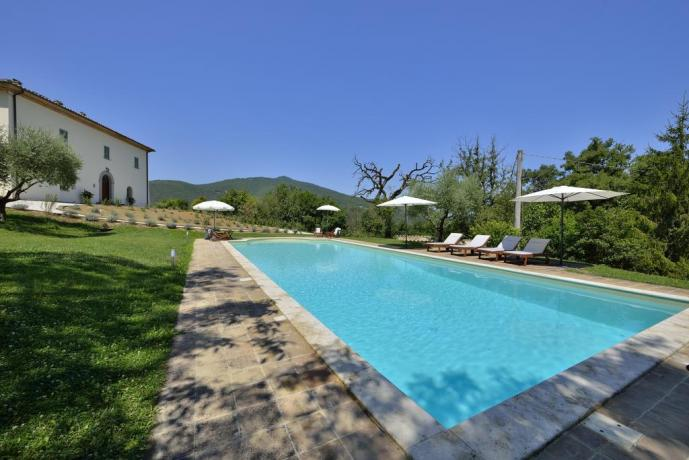 Piscina con area relax a Umbertide