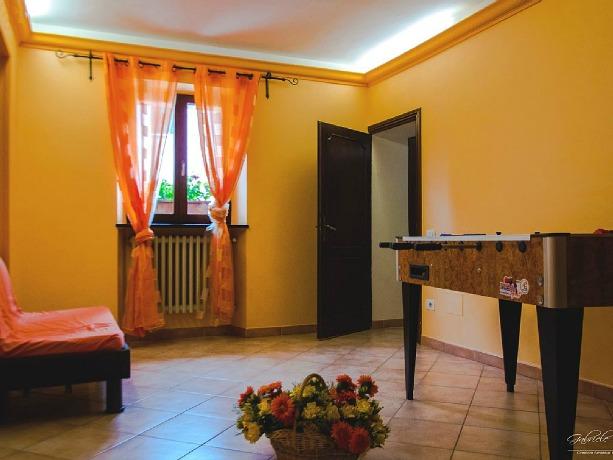 Soggiorno con biliardino professionale Casale Orvieto