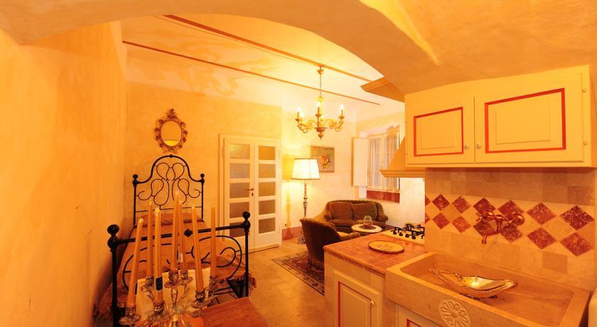 Angolo relax Suite Dino centro Storico Castiglione