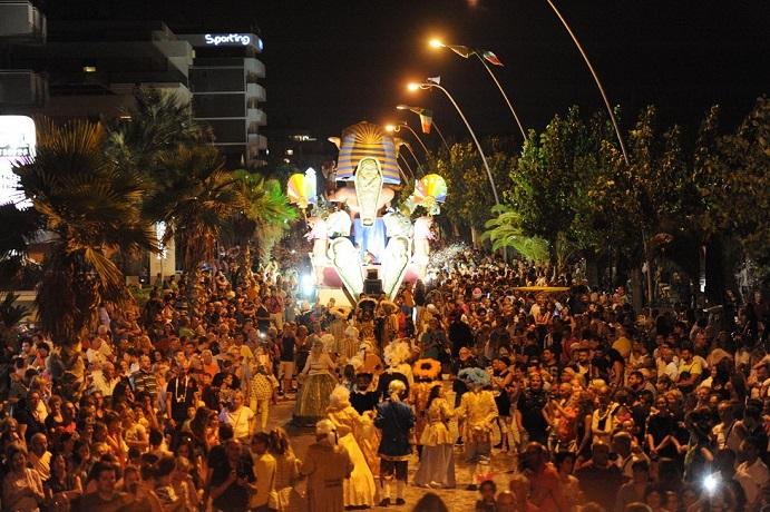 Eventi, Animazione e divertimento; Carnevale estivo
