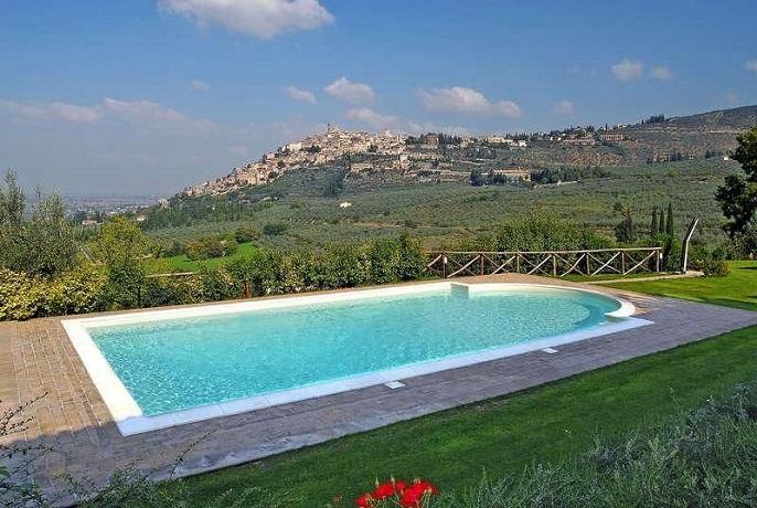 Agriturismo a Trevi con piscina panoramica