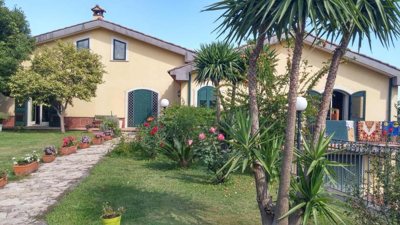 santavenerina-sicilia-bedandbrekfast-piscina-giardino-terrazzopanoramico-colazionegratis-animaliammessi