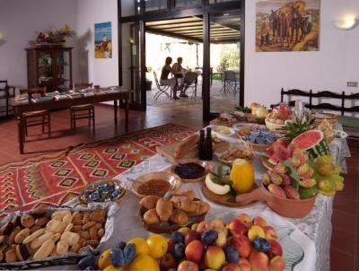 Colazione a Buffet con frutta di stagione