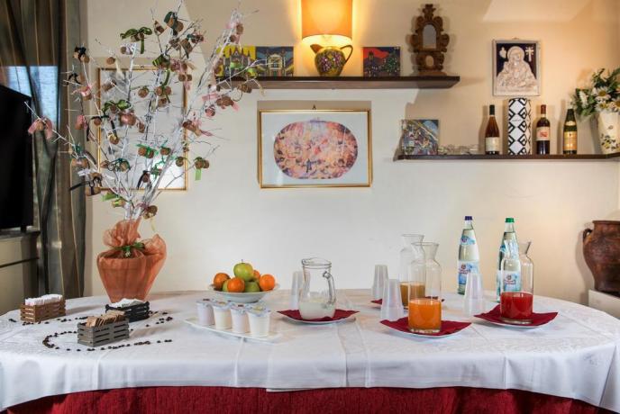 Succhi,Caffè,Cappuccini e Acqua: Colazione in Assisi