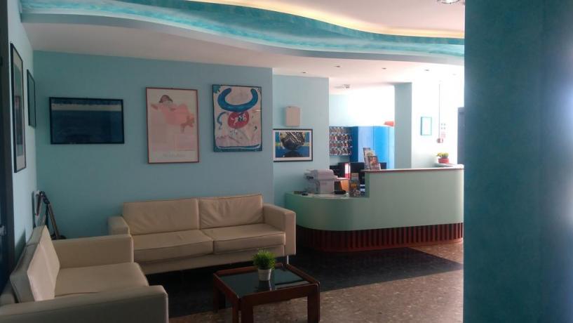 Hall albergo lungomare di Pesaro